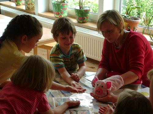Spass an der Sprache spielerisch entdecken in kleinen Gruppen